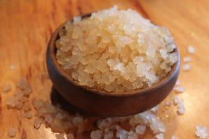 Su kefiri şeker ile birlikte yapılır.